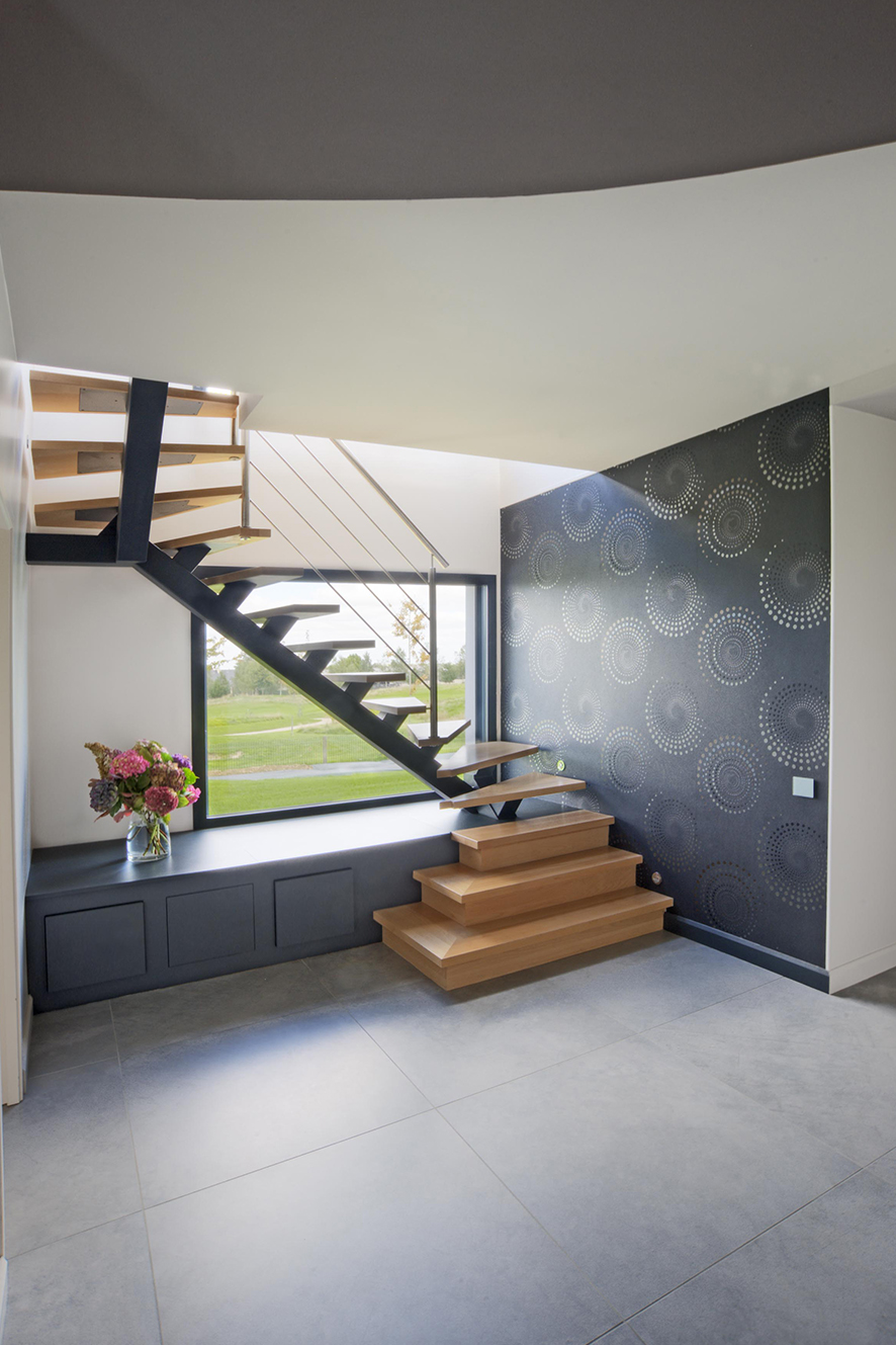 studio Crystelle Terrasson - escalier avec limon central sur-mesure